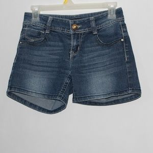 #01  south pole jean shorts.